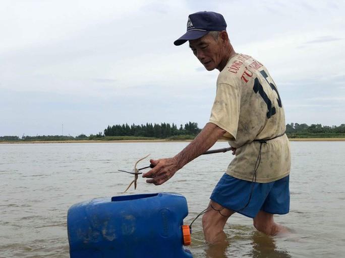 Cao thủ bật mí tuyệt chiêu săn lịch trên sông Trà Khúc - Ảnh 4.