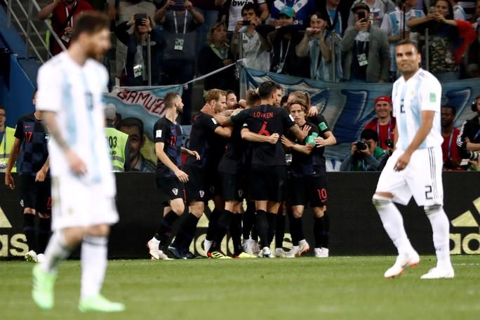 Đương kim á quân Argentina thua tan tác Croatia - Ảnh 9.