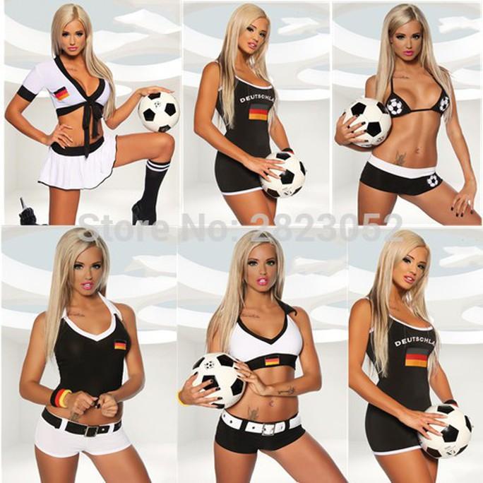 Nóng hơn khi mua trang phục sexy mùa World Cup - Ảnh 2.