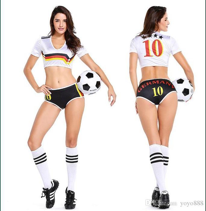 Nóng hơn khi mua trang phục sexy mùa World Cup - Ảnh 5.