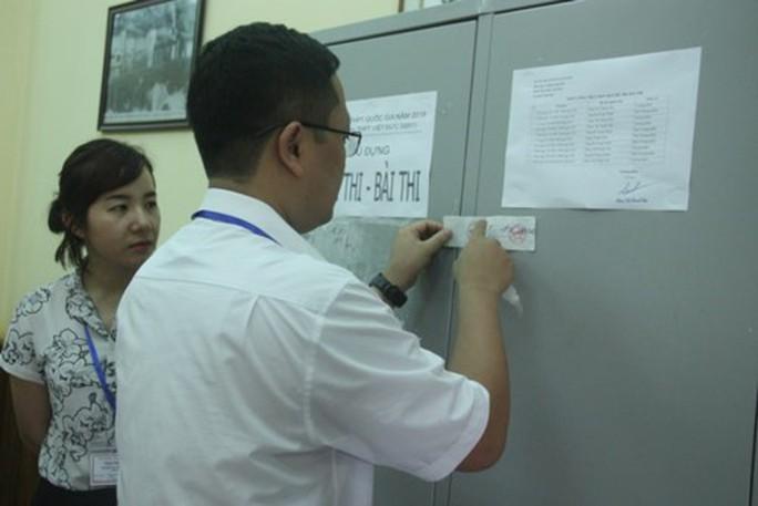 Thí sinh đến điểm thi THPT, chỉnh sửa hồ sơ nhanh chóng - Ảnh 6.