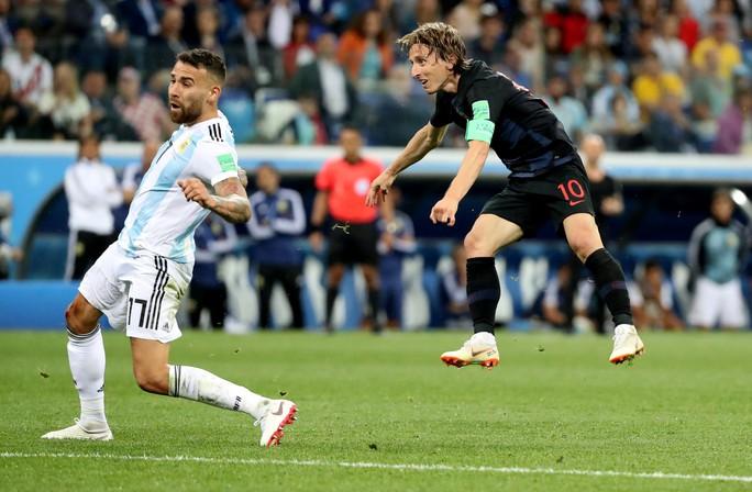 Modric xuất sắc như Ronaldo - Ảnh 1.