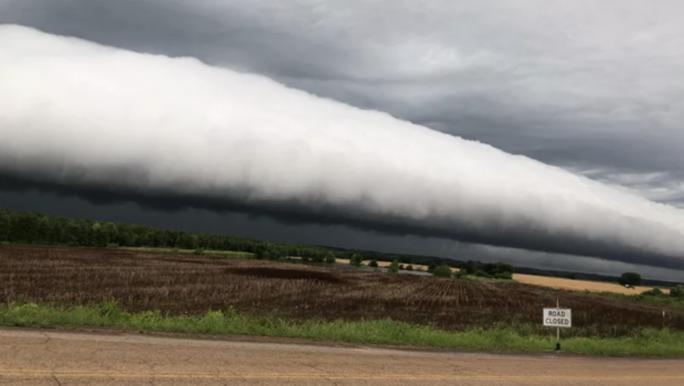 Đám mây lạ làm dân Mỹ xôn xao - Ảnh 1.