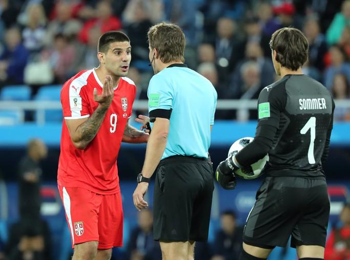 FIFA điều tra cáo buộc thiên vị trong thất bại của tuyển Serbia - Ảnh 2.