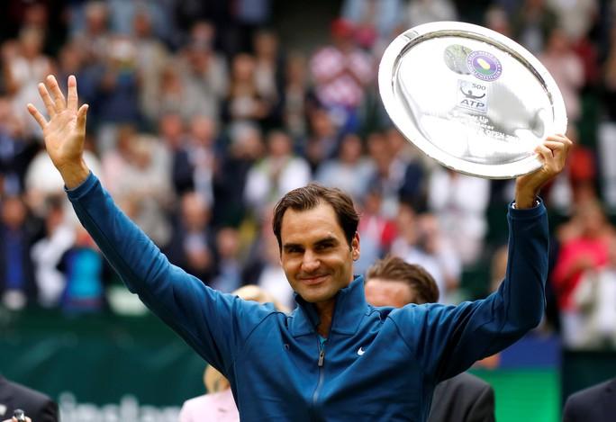 Federer bất ngờ thua đàn em ở chung kết Halle Open - Ảnh 4.