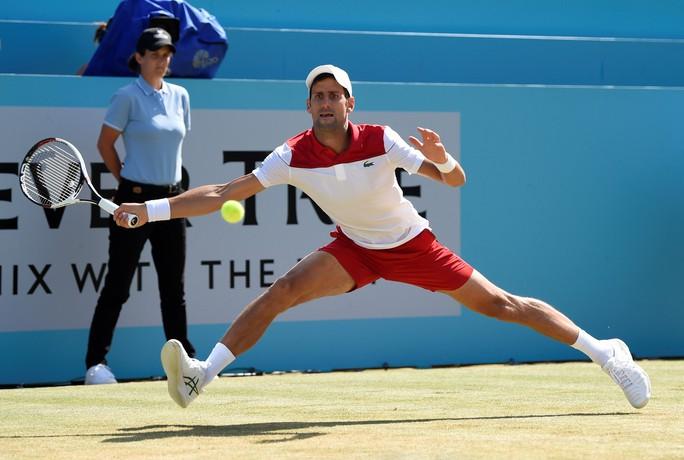 Federer bất ngờ thua đàn em ở chung kết Halle Open - Ảnh 6.