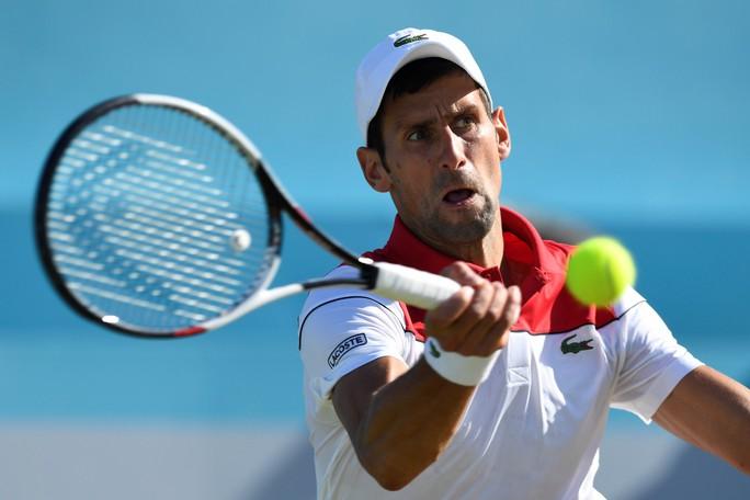 Federer bất ngờ thua đàn em ở chung kết Halle Open - Ảnh 8.