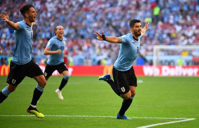 Suarez lập công, Uruguay đứng đầu bảng A - Ảnh 6.