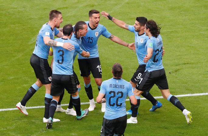 Suarez lập công, Uruguay đứng đầu bảng A - Ảnh 5.