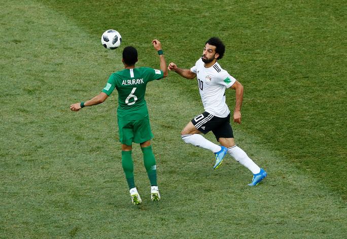 Suarez lập công, Uruguay đứng đầu bảng A - Ảnh 9.