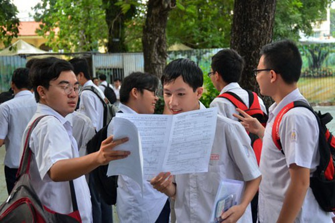 Ngày đầu thi THPT quốc gia: Đề mở, băn khoăn đáp án - Ảnh 1.