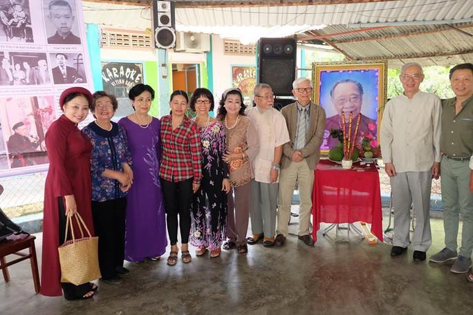 Kỳ nữ Kim Cương khóc thương GS-TS Trần Văn Khê - Ảnh 3.