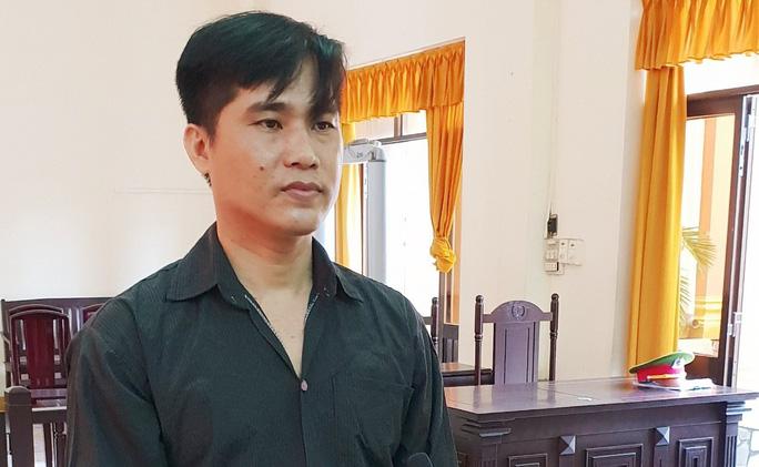Lừa đảo anh em bạn rể hơn 20 tỉ đồng sang Campuchia đánh bạc - Ảnh 1.