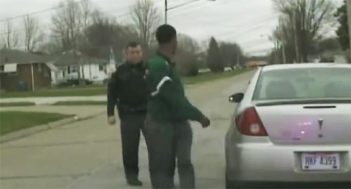 Bỏ mặc nhiệm vụ, cảnh sát Mỹ quyết bắt bạn trai của con gái - Ảnh 1.