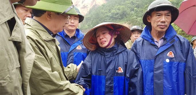 28 người chết và mất tích do mưa lũ: Phó Thủ tướng đến hiện trường chỉ đạo - Ảnh 1.