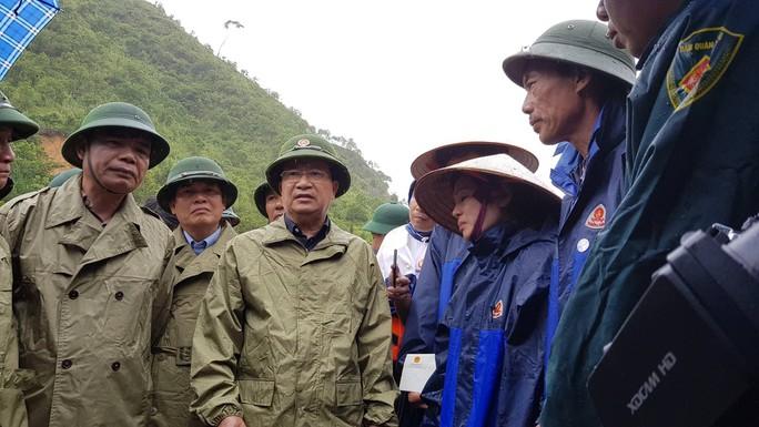 28 người chết và mất tích do mưa lũ: Phó Thủ tướng đến hiện trường chỉ đạo - Ảnh 5.