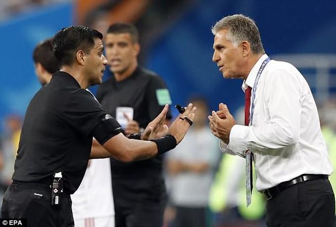 VAR bị tố thiếu minh bạch, phớt lờ thẻ đỏ cho Ronaldo - Ảnh 1.