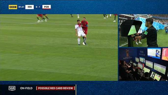 VAR bị tố thiếu minh bạch, phớt lờ thẻ đỏ cho Ronaldo - Ảnh 2.