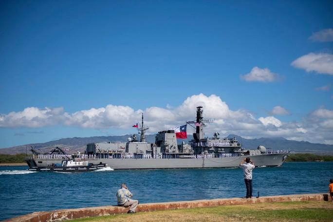 Tàu chiến tấp nập đến điểm hẹn tập trận RIMPAC - Ảnh 4.