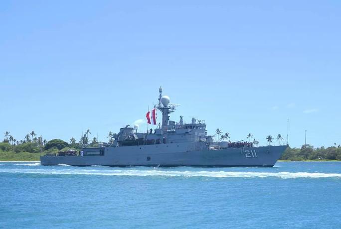 Tàu chiến tấp nập đến điểm hẹn tập trận RIMPAC - Ảnh 12.
