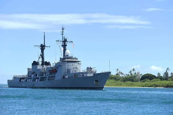 Tàu chiến tấp nập đến điểm hẹn tập trận RIMPAC - Ảnh 13.