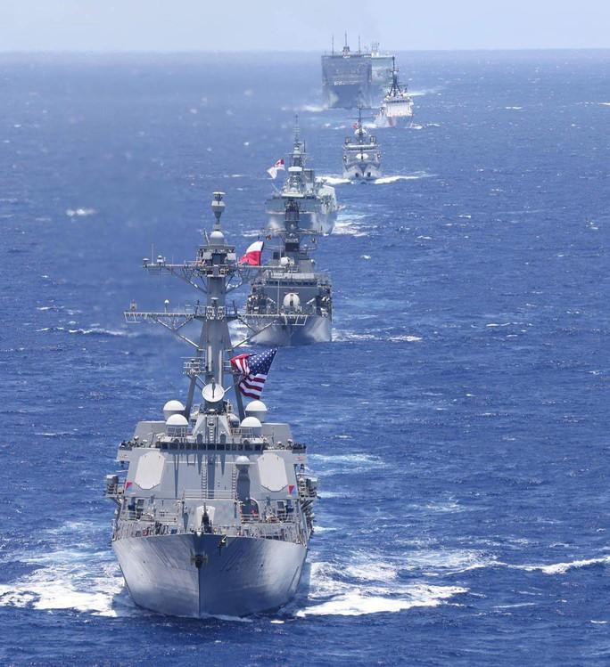 Tàu chiến tấp nập đến điểm hẹn tập trận RIMPAC - Ảnh 1.