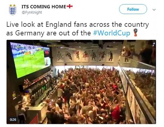 CĐV Đức dọa xử Ozil, người Anh sướng như vô địch World Cup - Ảnh 5.