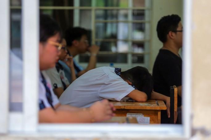 Kết thúc kỳ thi THPT, đọng lại nụ cười, nước mắt - Ảnh 5.