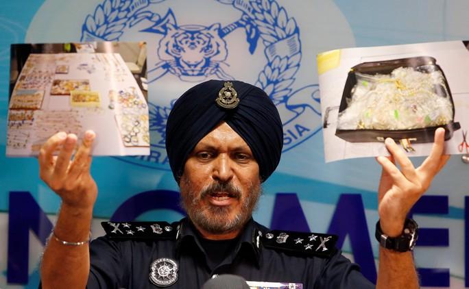 Kho báu của nhà ông Najib trị giá tới 273 triệu USD - Ảnh 1.