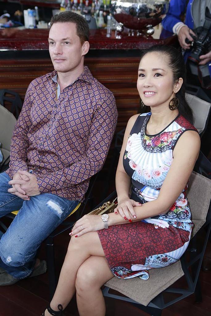 Diva Hồng Nhung xác nhận chia tay chồng Tây - Ảnh 3.