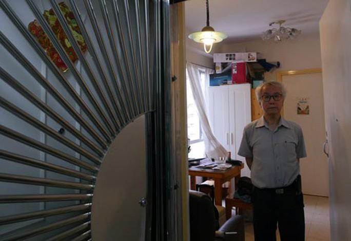 Căn hộ ma ám lên hương ở Hồng Kông - Ảnh 1.