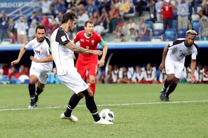 Không cho Serbia tạo sốc, Brazil cùng Thụy Sĩ vào vòng 1/8 - Ảnh 7.
