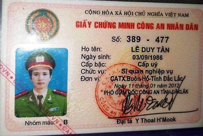 Một sĩ quan cắm thẻ ngành công an vay 330 triệu đồng - Ảnh 1.