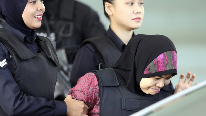 Vụ Kim Jong-nam: Đoàn Thị Hương bị tố là sát thủ - Ảnh 2.
