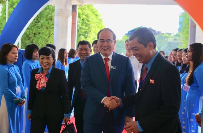 Khai mạc Đại hội XI Công đoàn TP HCM: Bám sát thực tiễn, sâu sát với đời sống CNVC-LĐ - Ảnh 1.