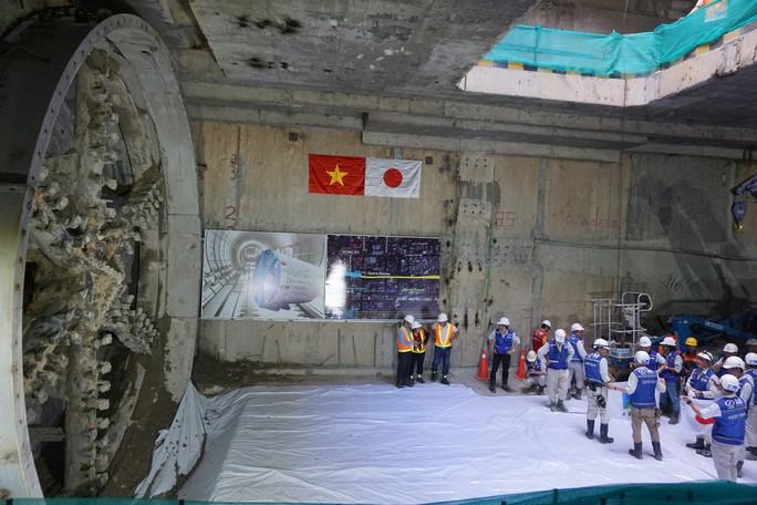 Đường hầm thứ 2 của tuyến metro số 1 hoàn thành - Ảnh 2.