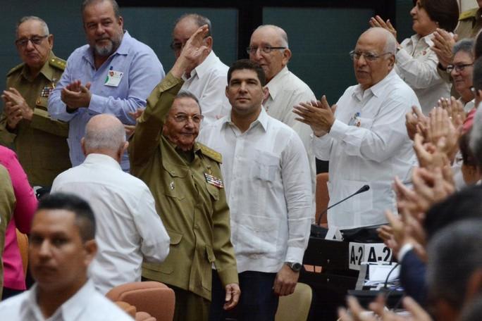 Quốc hội Cuba họp bất thường, ông Raul Castro có chức vụ mới - Ảnh 1.