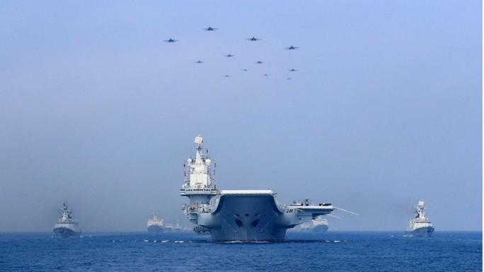 Mỹ sẽ đưa tàu chiến lớn hơn thách thức Trung Quốc ở biển Đông? - Ảnh 1.
