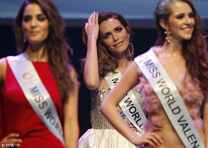 Người chuyển giới đầu tiên đăng quang Hoa hậu Hoàn vũ Tây Ban Nha - Ảnh 7.