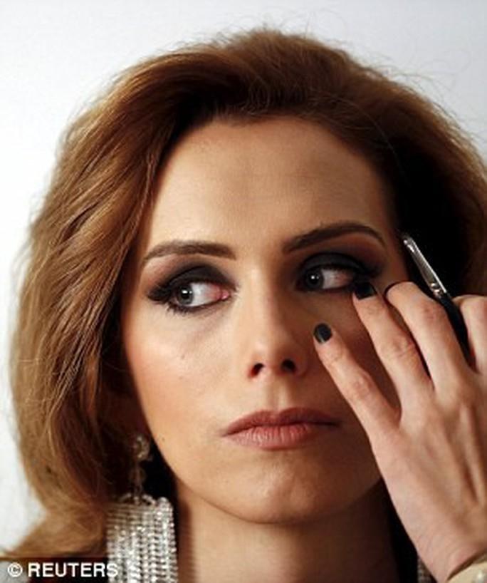 Người chuyển giới đầu tiên đăng quang Hoa hậu Hoàn vũ Tây Ban Nha - Ảnh 4.