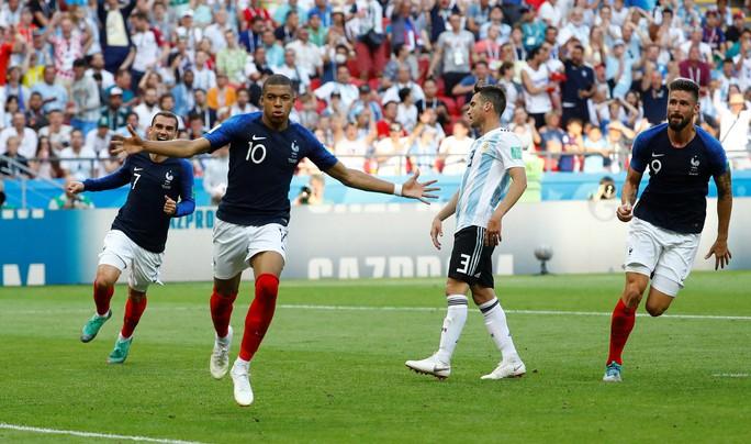 Mbappe tiễn Messi về nước - Ảnh 1.