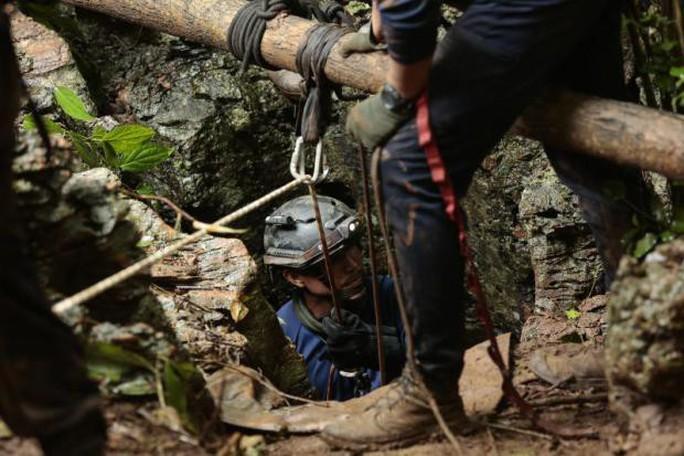 Hy vọng mới cứu đội bóng mắc kẹt trong hang động ở Thái Lan - Ảnh 1.