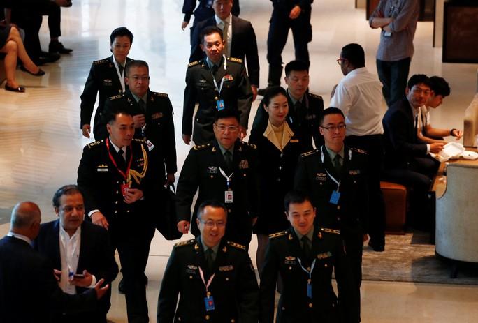 Trung Quốc ấm ức kể khó tại Đối thoại Shangri-La 2018 - Ảnh 1.