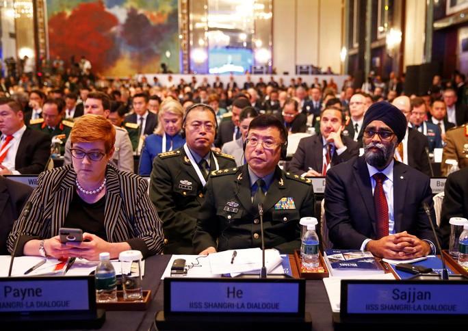 Trung Quốc ấm ức kể khó tại Đối thoại Shangri-La 2018 - Ảnh 2.