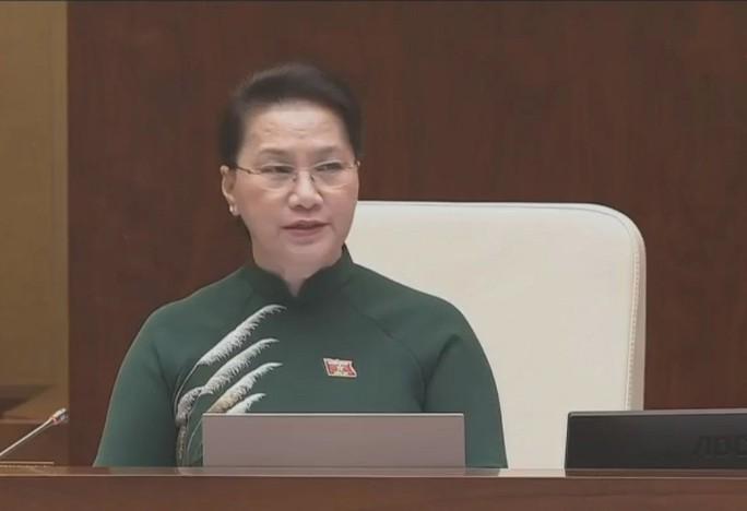 Bộ trưởng GTVT Nguyễn Văn Thể lần đầu ngồi ghế nóng trả lời chất vấn - Ảnh 2.