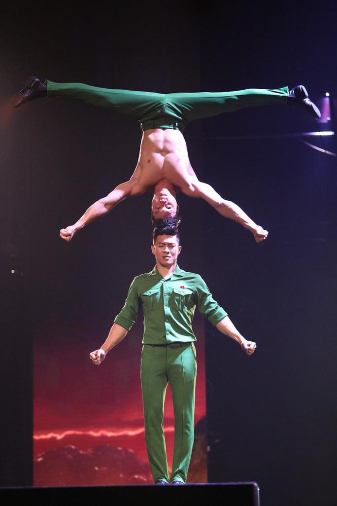 Nghệ sĩ Việt nổi danh ở nước ngoài - Ảnh 1.