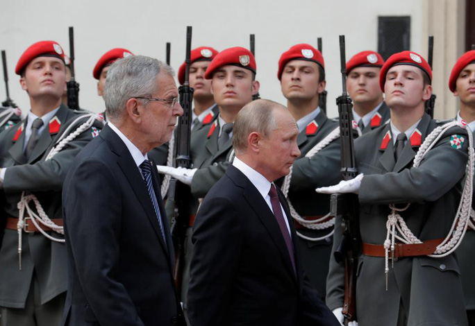 Đón tiếp nồng hậu nhưng Áo không ngại từ chối ông Putin - Ảnh 2.