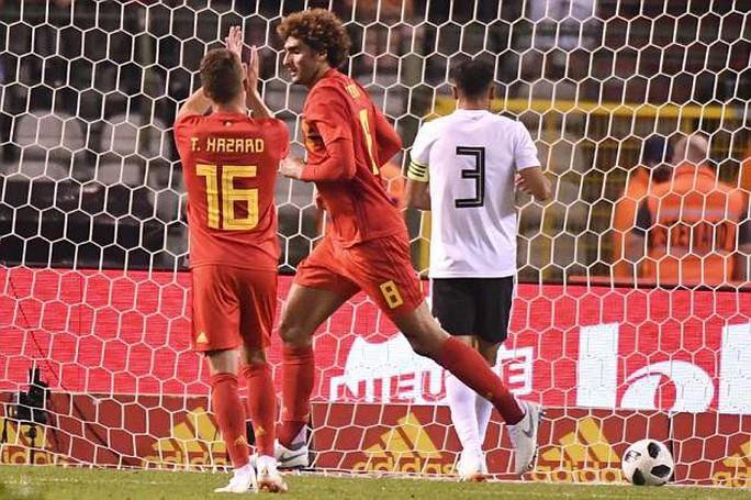 Quỷ đỏ khoe nanh vuốt, Ai Cập thua tan tác ở Brussels - Ảnh 6.