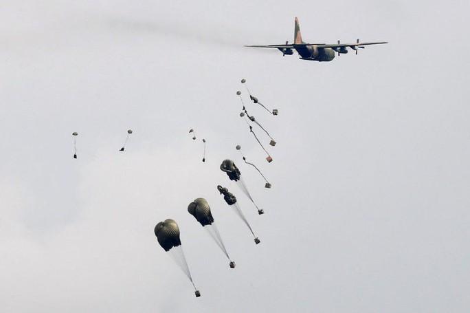 Bị Trung Quốc đe dọa, Đài Loan tập trận lớn - Ảnh 4.