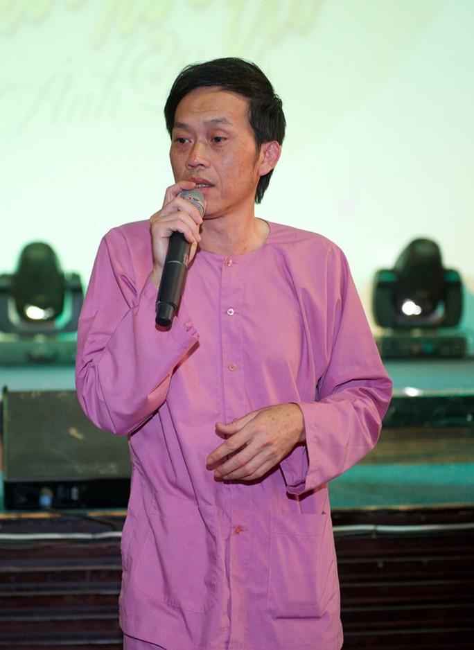 Danh hài Hoài Linh: Hy sinh cho người yêu là hạnh phúc - Ảnh 1.